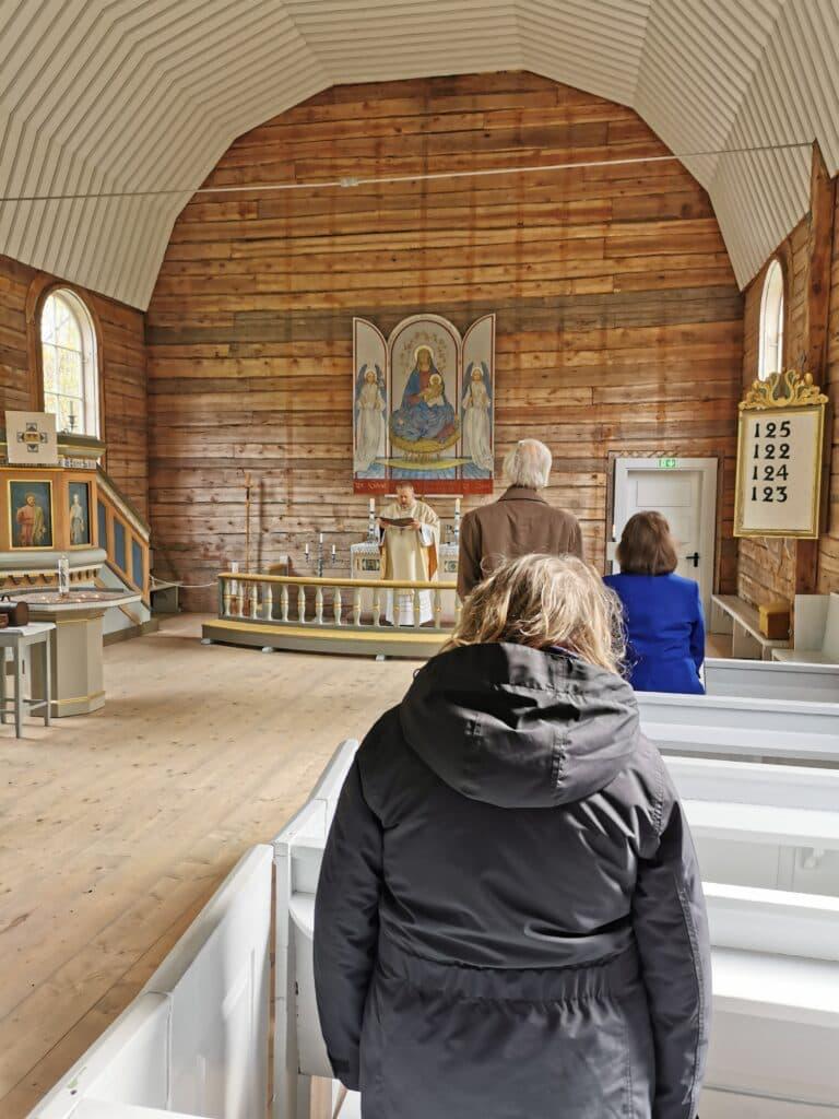Jumalateenistus Naissaare kabelis